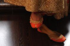 NEW AGE TRADITIONAL BRIDAL FOOTWEARS: JUTTIS - Bindis & Brides