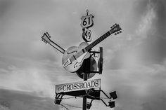 Você já ouviu falar sobre a Rota do Blues, nos Estados Unidos? Trata-sede um trajeto de carro traçado pela Route 61 especialmente para os amantes deste ritmo, com início em Chicago e término em Nova Orleans. A estrada lendária oferece o melhor da música em cada parada e ao longo de mais de mil quilômetros …