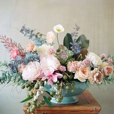 Feminine, soft, pastel blooms are just perfect for a spring wedding and these lush beauties have us dreaming of warmer days ... bring on the sunshine weather gods!  #weddinginspiration #weddingflowers #pastelpalette Original source unknown.