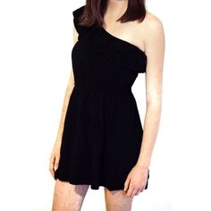 Black one shoulder dress Black one shoulder mini dress. Elastic band accentuates the waist. Is missing loops for hangers, but overall in good condition.  Iffy about the price❓Please don't hesitate to make me an offer❗️ Cotton On Dresses One Shoulder