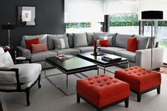 IDEAS PARA DECORAR TU SALA (SALON) EN COLOR GRIS Y NARANJA Hola Chicas!!! En esta ocasion les dejo una galeria de fotografías de como decorar la sala (salón) en color gris y naranja, la combinacion de estos dos colores no es común pero ya terminada la decoracion se vera muy elegante ya que los accesorios decorativos en color naranja neutraliza al color gris y logras que el espacio se sientas con un ambiente apacible, haciendo que el énfasis se lo lleven los detalles.