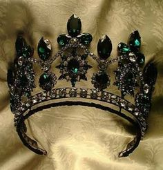 Tsarina Alexandra of Russia emerald and diamond tiara