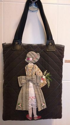 51 Ideas for patchwork bolsas ideas appliques Tote Pattern, Purse Patterns, Patchwork Bags, Quilted Bag, Wool Applique, Applique Quilts, Handmade Handbags, Handmade Bags, Purses And Bags