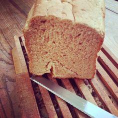 """'assume… suis parfois dans les nuages ;-) mememoniq: Pain aux graines de lin. Ne cherchez pas les graines, notre chef """"boulanger"""" (Papa) tête en l'air comme à son habitude à oublié de les ajouter :-) #pain #boulangerie #cuisine #food #homemade #faitmaison #yummy #cooking #eating #french #foodpic #foodgasm #instafood #instagood http://ift.tt/TGxsgy"""