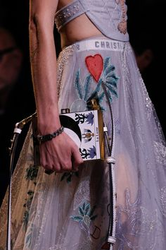 See detail photos for Christian Dior Spring 2017 Ready-to-Wear collection.