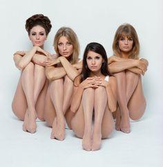 Wilhelmina, Sharon Tate, Josephine Attominoff (the photographer's stylist) and Jean Shrimpton, 1967 - Photo William Helburn