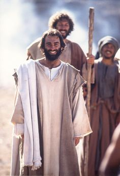 Our handsome Lord. Bruce Marchiano brought Christ's humanity to the screen - smiling and ever full of joy. Jesus Is Risen, Jesus Is Lord, Jesus Christ, Lds Pictures, Jesus Pictures, Lion Quotes, Jesus Quotes, God Loves Me, Jesus Loves Me