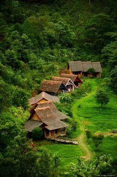 Làng Cù Lần #Travel #DaLat #VietNam Visit this charming city http://www.exoticvoyages.com/vietnam/destinations/da-lat?utm_source=Pin&utm_medium=organic&utm_campaign=SM