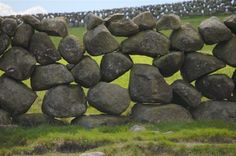 Dry stone wall, Ireland. Local residents are encouraged to erect and maintain stone walls. There are hundreds of thousands of miles of dry stone walls in Great Britain and Ireland, some date back to 3,500 BC. © Paul McIlroy. www.geograph.ie - See more at: http://www.inspirationgreen.com/art-of-the-stone-wall.html#sthash.MFIKER6O.dpuf