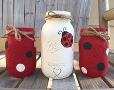 Mason Jar Art, Ball Mason Jars, Mason Jar Crafts, Bottle Crafts, Mason Jar Painting, Pickle Jar Crafts, Coffee Jar Crafts, Red Mason Jars, Quart Size Mason Jars