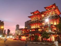 シンガポール大ストリート制覇歩き回り食べ尽くしシンガポールトラベルジェイピー 旅行ガイド Singapore, Mansions, House Styles, Travel Guide, Home Decor, Urban, Decoration Home, Manor Houses, Room Decor