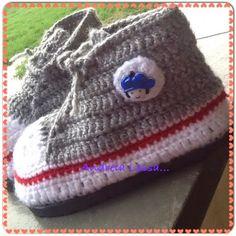 Oieeee gentem , queria fazer um sapato de lã , mas queria com solado, consegui comprar de uma amiga do facebook , ela já envia as palmilhas ...