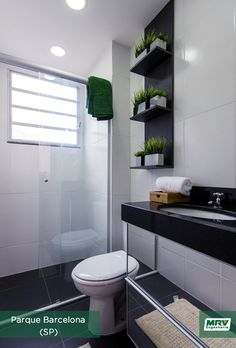 Conheça o MRV Decora, dicas especiais para você deixar o seu lar ainda mais aconchegante. Small Shower Room, Small Showers, Kitchen Containers, Downstairs Bathroom, Bathroom Cabinets, Toilet, Sweet Home, Vanity, Shelves