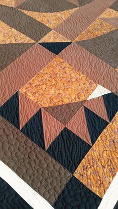 This quilt brings a smile to my face every time I see it. Bear Face, Quilting, Blanket, Blankets, Patchwork, Rug, Quilling, Quilts