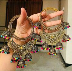 ✨✨💕💕💕💕 Beautiful Bangles with multicolour zumki latkans Indian Jewelry Earrings, Indian Jewelry Sets, Jewelry Design Earrings, Hand Jewelry, Jewelery, Antique Jewellery Designs, Fancy Jewellery, Stylish Jewelry, Fashion Jewelry