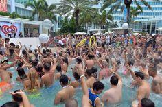 #Krewella #PoolCrowd #PumpedUp #FunintheSun #iHeartRadio — at Fontainebleau Miami Beach.