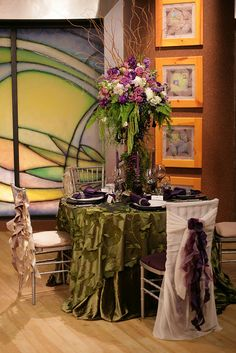@Victoria Hernandez This one?? Breaking Dawn Wedding Reception Table Setting
