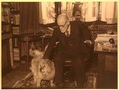 Sigmund Freud and Jo-Fi, his Chow.
