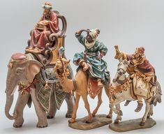 Fontanini Nativity, Diy Nativity, Christmas Nativity Scene, Christmas Figurines, A Christmas Story, Christmas Carol, Christmas Holidays, Christmas Decorations, Christmas Ornaments