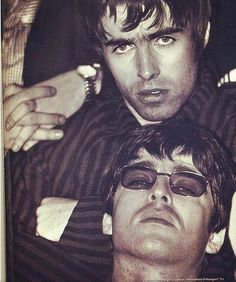 Albarn on Oasis Brothers, Liam Gallagher Noel Gallagher, Liam And Noel, Oasis Band, Britpop, Wonderwall, Music Film, Aesthetic Pictures, Aesthetic Themes