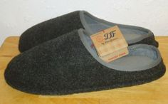 6d5f8fdedab580 Details about Men s DF by Dearfoam Memory Foam Felt Clog Slippers Black    Gray Size Small 7-8