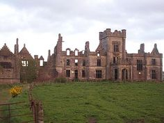 Ruins - Wikipedia, the free encyclopedia