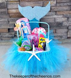 Mermaid Easter Basket - The Keeper of the Cheerios basket ideas Mermaid . Mermaid Easter Basket – The Keeper of the Cheerios basket ideas Mermaid Easter Basket Homemade Easter Baskets, Easter Gift Baskets, Mermaid Gifts, Mermaid Diy, Baby Shower Gift Basket, Shower Gifts, Diy Ostern, Easter Crafts For Kids, Easter Party