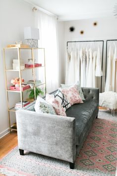 Get the Look: DIY Gilded Bookshelf Clothing Rack (Style Me Pretty Living) Bridal Boutique Interior, Boutique Decor, Style Me Pretty Living, Interior Color Schemes, Shop Interiors, Store Design, Colorful Interiors, Get The Look, Furniture