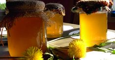Dandelion Cures Cancer, Hepatitis, Liver, Kidneys, Stomach … Here's How . Home Remedy For Cough, Cough Remedies, Health Remedies, Home Remedies, Natural Remedies, Artemisia Annua, Taraxacum Officinale, Homemade Syrup, Dandelion Flower