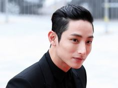 2014 saw a lot of breakout performances by newly-minted leading men in drama land, with the likes of Im Siwan, Park Seo-joon, and Choi Jin-hyuk proving their worth with the winning opportunities th… Asian Actors, Korean Actors, Im Siwan, A Utopia, Lead Men, Choi Jin Hyuk, Lee Soo, Seo Joon, Korean Star