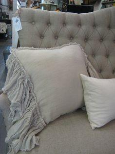 http://rosesandrustics.com/wp-content/uploads/2012/08/furniture-linens-089.jpg