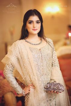 Pakistani Wedding Outfits Luxury Afshii Majid Outfit Ideas In 2019 Pakistani Party Wear, Pakistani Wedding Outfits, Pakistani Dresses, Indian Dresses, Walima Dress, Formal Dresses For Weddings, White Wedding Dresses, Traditional Fashion, Traditional Dresses