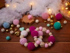 Anneau de dentition- Bracelet sensoriel fait main avec perles en bois, silicone et coton au crochet au choix