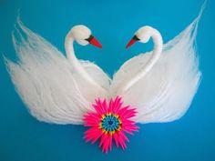 DIY: Swans from yarn/Schwäne aus Garn Bird Crafts, Diy Crafts For Gifts, Hobbies And Crafts, Crafts To Make, Pom Pom Crafts, Plastic Bowls, Red Paper, Heart Patterns, Diy Flowers