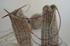 technique pour tricoter par 2 (chaussettes, mitaines, manches...)