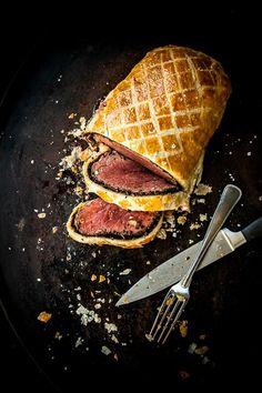 Hvis jeg skulle vælge her og nu, hvad mit sidste måltid skulle være, så er jeg ret sikker på, at mine dage ville ende med beef wellington i maven. Rødt og