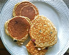 Flourless Oatmeal Pancakes (Gluten Free)    Healthy and delicious.   Ingredients:  1 cup of Oatmeal   ½ tsp of baking powder  3 Eggs (or eggbeaters to decrease calories)  1 Egg White  ½ cup Non Fat Greek Style Yogurt  ½ tsp of Vanilla Extract  1 tsp of Cinnamon   pinch of nutmeg  * Optional add any fruit    Directions : Grind Oatmeal to a fine powder in a blender. Blend the ingredients to a smooth mixture. Lightly spray pan and cook at medium heat. 6 pancakes = 340 calories