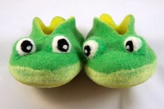 wet felted baby green frog slippers MADE TO ORDER/ handmade house baby shoes child felt frog shoes felt house baby slippers animal slippers by CuCuSTUDIO on Etsy https://www.etsy.com/listing/205323540/wet-felted-baby-green-frog-slippers-made