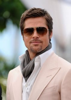 Brad Pitt in pale pink. Follow http://pinterest.com/pmartinza for more Pinspiration!