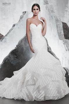 0bb4e57468 Vízfodros, sellő fazonú organza esküvő ruha fiatalos, csíkos változatban.  Eklektika esküvői ruhaszalon