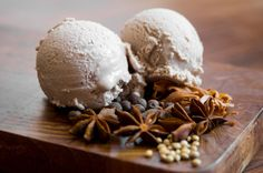 This ice cream works a lot like vanilla bean—gently but assertively spiced with floral, fruity, and citrusy flavors working in tandem. It& a good general purpose ice cream but with a point of view all its own. The way mulled wine should be. Frozen Desserts, Just Desserts, Dessert Recipes, Dessert Ideas, Wine Recipes, Homemade Mulled Wine, Homemade Ice, Gourmet, Tarts