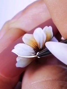 Nail Art Designs Videos, Nail Art Videos, Nail Designs, Nail Art Hacks, Nail Art Diy, Diy Nails, Nail Drawing, Nagellack Design, Floral Nail Art
