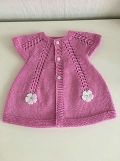 En Yeni 46 Pembe Mavi Bebek Giyim Örgü Modelleri Latest 46 Pink Blue Baby Clothes Knitting Models, the Baby Cardigan Knitting Pattern, Knitted Baby Cardigan, Knit Baby Sweaters, Baby Knitting Patterns, Cardigan Bebe, Pull Bebe, Crochet Baby Clothes, Baby Vest, Knitting For Kids