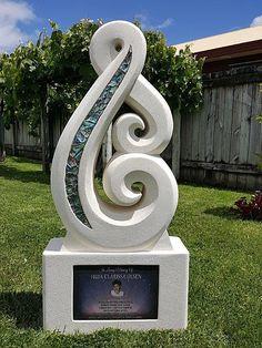 Look through our sculpture, memorial and headstone galleries. Brett specialises in Maori designs. Concrete Sculpture, Metal Art Sculpture, Concrete Art, Ceramic Design, Ceramic Art, Maori Patterns, Sculpture Images, 3d Printing Diy, Maori Designs