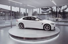 Nowa Giulia w eleganckiej i stylowej bieli. #AlfaRomeo #NowaGiulia #MechanikaEmocji