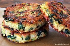 Try superfoods that are delicious and good for you! Our healthy kale quinoa patties recipe is a scrumptious substitute for rubbery-tasting veggie patties.