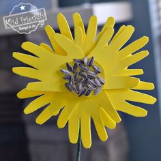 This Sunflower Handprint Craft is the perfect craft for Mother's Day or to brighten up any home. A kid's sunflower handprint boquet makse the perfect summer craft. games for kids ideas Fox Crafts, Craft Stick Crafts, Arts And Crafts, Flower Boquet, Bouquet, Sunflower Crafts, Kindergarten Art Projects, Mothers Day Crafts For Kids, Drip Painting