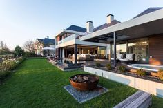 Pearl Valley Golf Estate Phillips + Van Jaarsveld Architects Golf Estate, Interiors Magazine, Contemporary, Mansions, House Styles, Outdoor Decor, Pearl, Van, Home