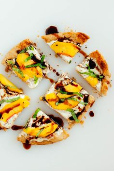Simple Peach, Basil and Ricotta Flatbread This super SIMPLE and DELICIOUS peach flatbread is ready in 20 minutes! Made with ripe peaches, fresh basil, and balsamic drizzle on top of ricotta-topped flatbread, it'll become your go-to quick summer meal. Quick Summer Meals, Summer Recipes, Easy Summer Appetizers, Summer Snacks, Healthy Summer, Healthy Snacks, Healthy Eating, Healthy Recipes, Vegetarian Recipes