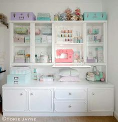Awesome Colourful Organizing Sewing Room Ideas For Inspiration 24 — Home Design Ideas Sewing Spaces, My Sewing Room, Sewing Rooms, Sewing Room Organization, Craft Room Storage, Craft Rooms, Storage Ideas, Storage Solutions, Organizing